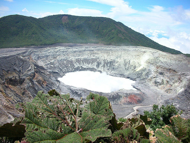 A view of the crater lake - Poas Volcanic Crater - Costa Rica - An image by Richie Diesterheft - flickr