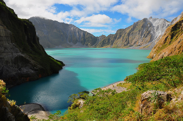Lake Pinatubo of Philippines - Image by nucksfan604 - flickr