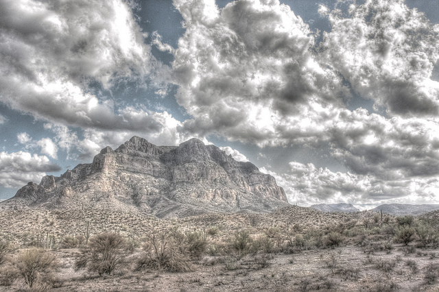 Picketpost Mountain near Superior, Arizona. Image: kevin dooley