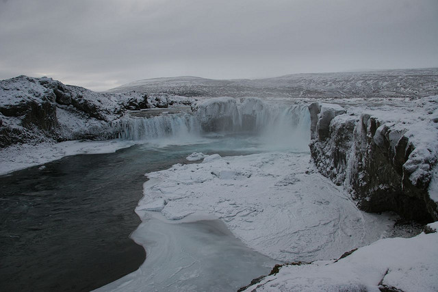 The Frozen Goðafoss: Amazing shot by Tom Olliver