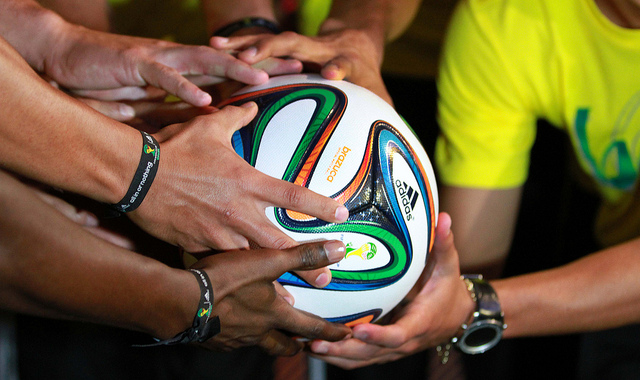 didas Brazuca is a real made in Pakistan masterpiece to be used in the 2014 FIFA World Cup - Photo: AgenciaAndes