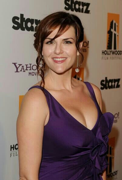 Sarah Rue - A lovely American television actress. Born January 26, 1979