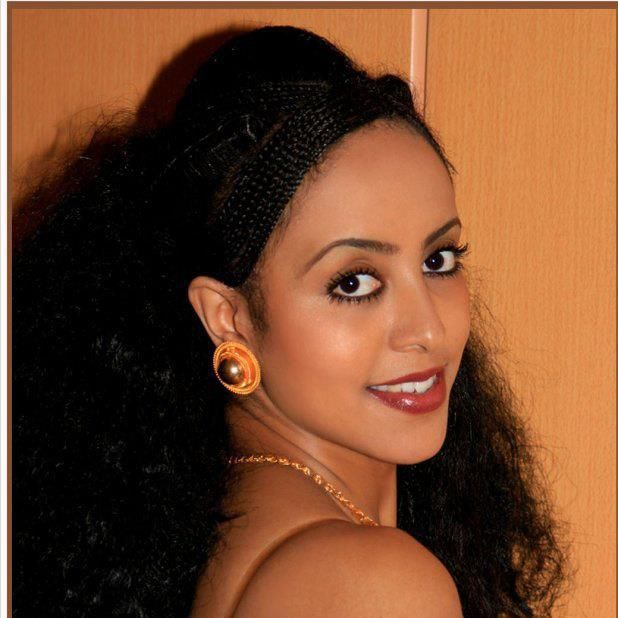 Eritrean traditional hair braiding and gold jewelry