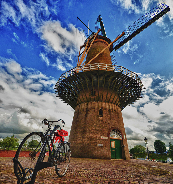 Bicycle cultue of the Netherlands - Rotterdam, the Netherlands - Photo by Luca Assen
