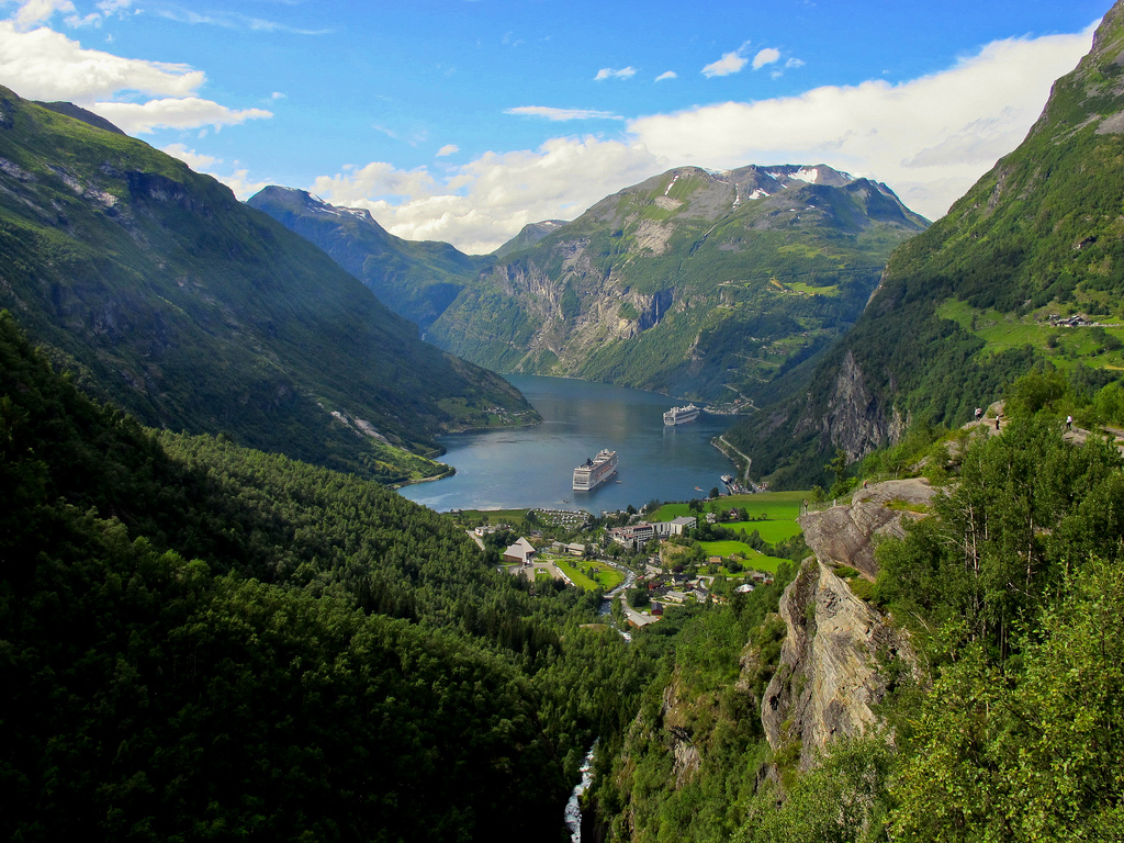 Geirangerfjorden. Image Damien Moureaux