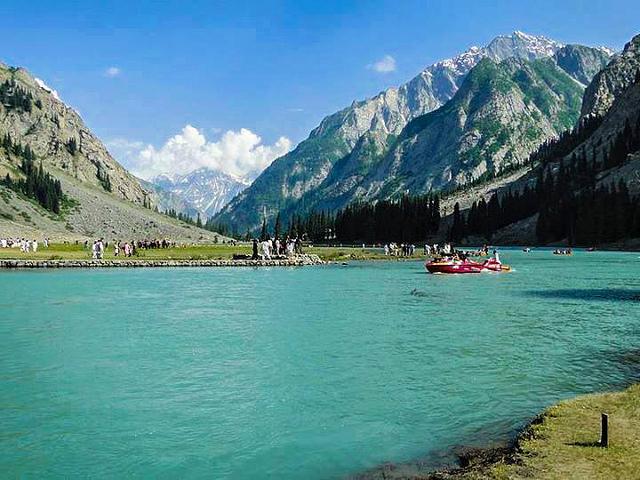 Mahodand Lake - Swat - Image by Junaid Rao