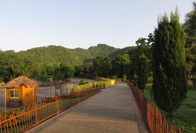 Margalla Hills. Image by kamirao
