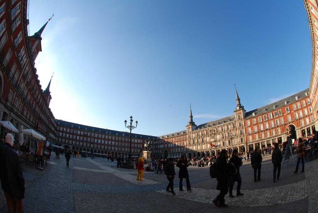 Plaza Mayor, Madrid - Image by Patrick Silveira