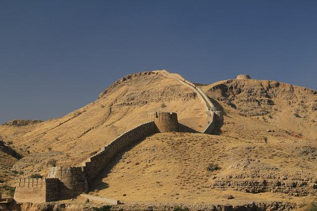 Ranikot Fort view - Image credit Shahmurai