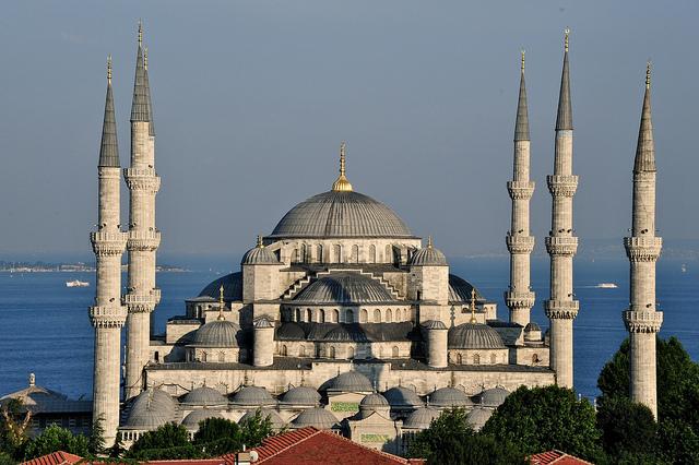 Blue Mosque of Istanbul - Turkey - Image by DarkB4Dawn