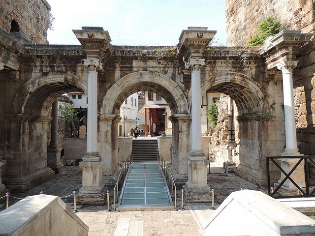 Hadrian's Gate, Antalya - Image: Anita Gould