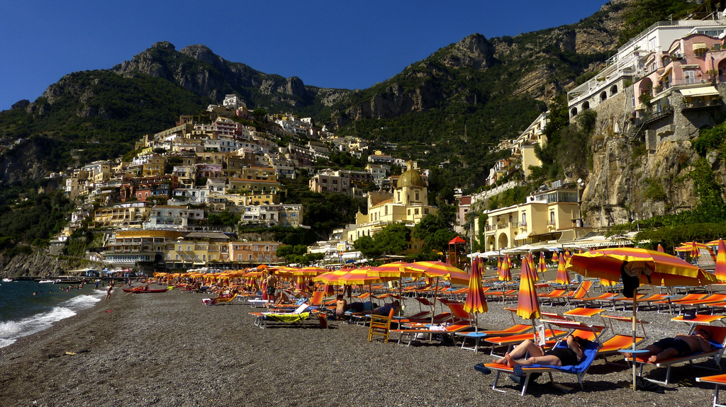 Italy by Miradortigre