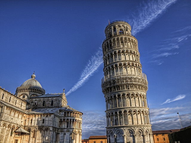 Leaning tower of Pisa - Italy by neilalderney123